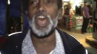 একজন রিক্সাওয়ালা মামার  অসাধারন সুরে বাঁশী বাজানো=2016-01-30 at Mirpur-12