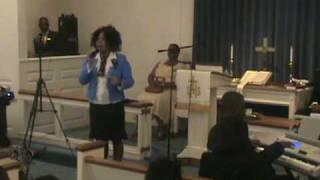 Chaphley Jacques, soliste, chanta: Jesus. 08-08-09.