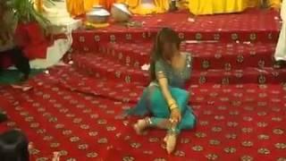 Pakistani Sexy Girls Mehndi Dance  - YouTube.flv