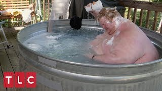 Due to His Obesity, Casey Must Bathe Outside in a Trough   Family By the Ton
