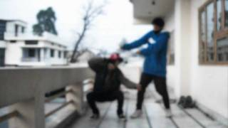 Slow motion l Yaggi jay & Neutron