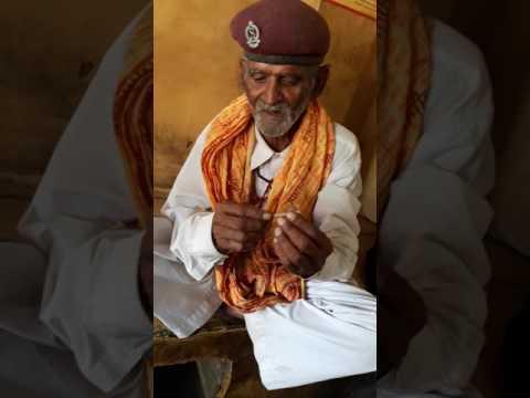 कन्हैया देशी अंदाज में माचिस व बिड़ी की जादूगरी...हाथ की सफाई ...Funny video..