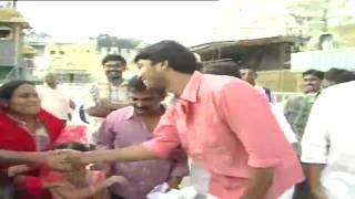 Allari Naresh visits Tirumala, seeks Lord blessings - 99tv