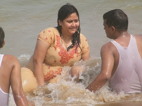 Xxx Mp4 Lovely Aunty Enjoy Sea Sun Beach At GOA 3gp Sex