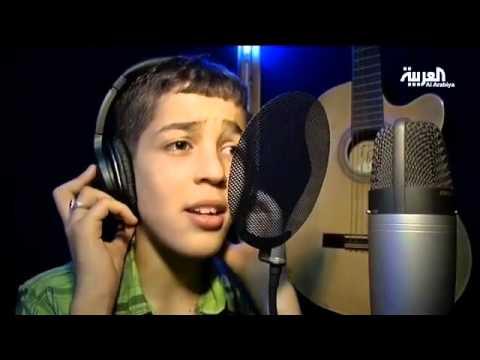 طفل جزائري موهوب ينافس كبار المطربين