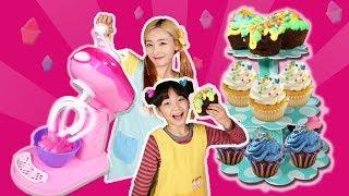 베이크쿨 컵케이크 메이커로 엘리와 유니의 오븐없이 빵 만들기 [BAKE COOL]ㅣ캐리와장난감친구들