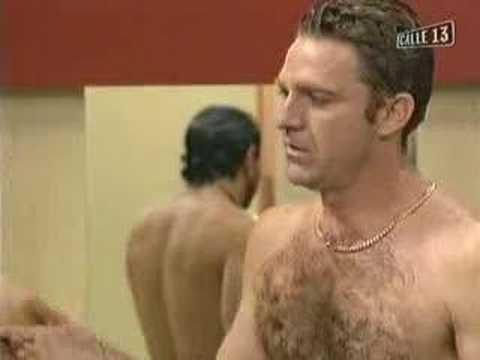desnudos en el comisario