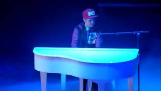 Justin Bieber - Down To Earth - live Sheffield 23 march 2011 - HD