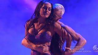 WWE NIKKI BELLA DESPACITO! (Dancing with the stars)