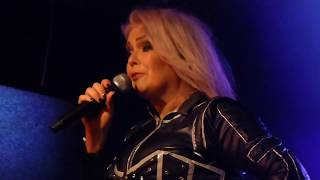 KIM WILDE - YOU CAME & YOU KEEP ME HANGIN' ON (LIVE IN SHEFFIELD 13/4/18)