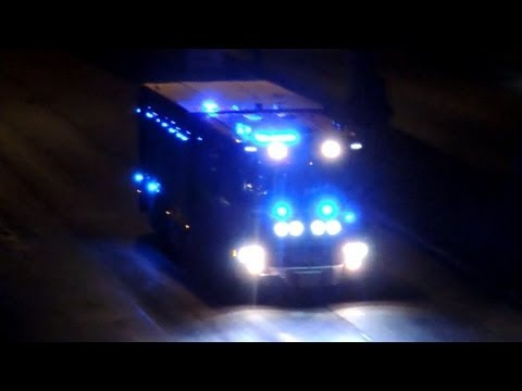 Svenska utryckningsfordon Polisbil Ambulans och Brandbil