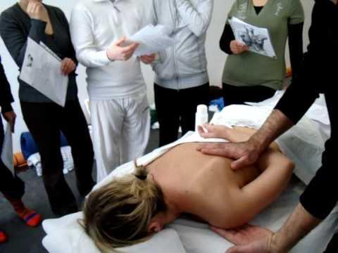 Myamo Massaggio Ayurvedico Schiena Giarre Febbraio 2010.wmv