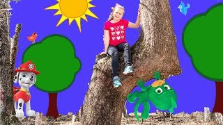 PJ Masks and Patrol Show the Assistant the Way to The Golden Egg with Fingerlings
