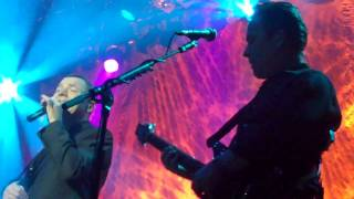 UB40 - Blue Eyes Crying In The Rain - Tilburg 26.01.2012.MP4