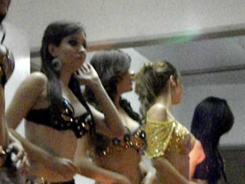 Chicas TKT bailando en el Hector Espino