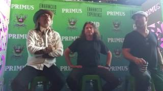 Les Claypool talks about buying his first bass.