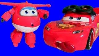 Carros Montar e Dirigir Relâmpago Mcqueen Corredor em Disney Aviões Brinquedos 디즈니카 합체놀이 장난감입니다
