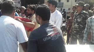 सड़क दुर्घटना में गोलू की मौत से लेस्लीगंज के लोग दुखित ।