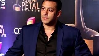 Salman Khan Grand Entry - Colors Golden Petal Awards