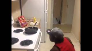 شاهد وتعلم اسرع وامن طريقة لقلى البطاطس