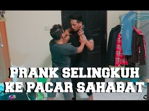 PRANK NYELINGKUHIN PACAR SAHABAT SENDIRI ! #bestfriendprank