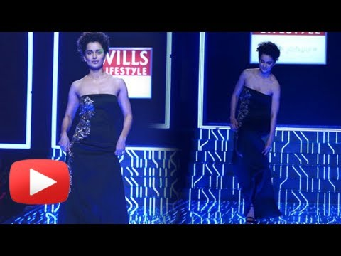 OOPS Kangana Ranaut Was About To Fall On Stage At Wills Lifestyle India Fashion Week 2014