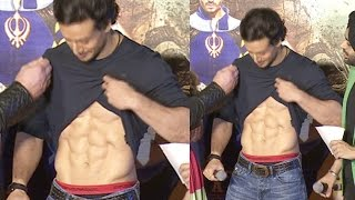 Tiger Shroff Shows His 6 Pack Abs At A Flying Jatt Trailer Launch