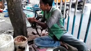 Kolkata Jhalmuri.In part street Kolkata