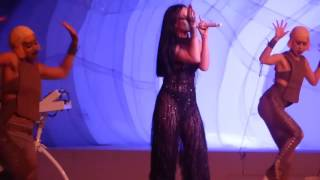 Rihanna _ Work feat Drake _ DVD The ANTI World Tour Live (HD).mp4