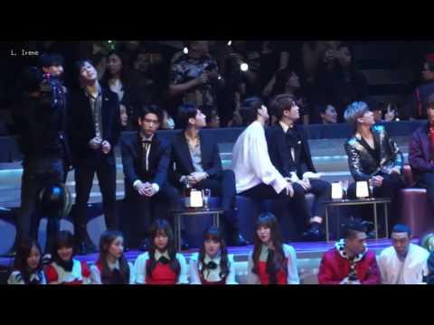 161202 2016 MAMA - GOT7(갓세븐) reaction to Wiz Khalifa's stage