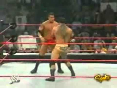 WWE Raw (2004) - Randy Orton vs Batista (No DQ Match) - 9/27/04