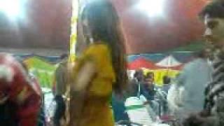 peer Zaman Shah of Pakpattan in mujra party.3GP