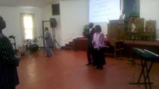 Mwimbaji Mary Atieno akiwatumbuiza waumini hii leo