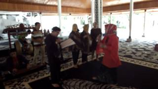 Pangauban Kawih Sunda Purwakarta ( Pendopo 11-01-14)