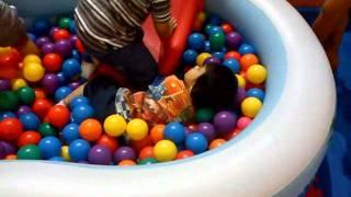 jamy uy - having fun at sm centerpoint playground (p2)