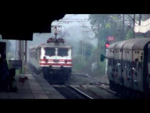 12009 Shatabdi Express Overtaking DI-BOR DMU!!!!!!!!!