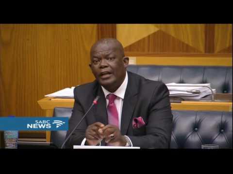 Motsoeneng 'persuaded' me to soften approach on Guptas: Molefe