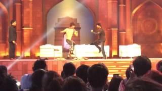 Sunil Grover, Kapil Sharma And Shah Rukh Khan Dancing on Jabra Fan at The Kapil Sharma Show