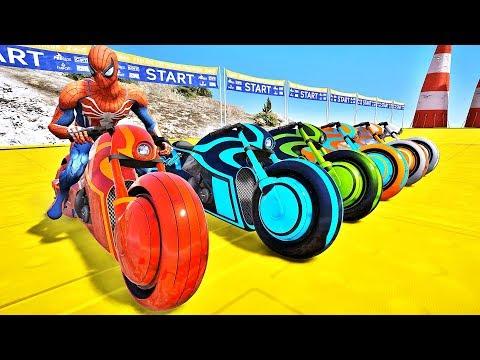 HOMEM ARANHA BATMAN E HOMEM DE FERRO COM SUPER MOTOS DESAFIO MOTOS COM HERÓIS NA RAMPA IR GAMES