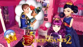 Uma Puts a Love Spell on Ben! Evie & Mal Cotillion Morning Routine Disney Descendants 2 doll episode