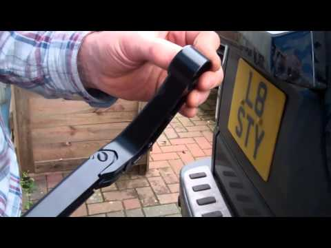 How to replace the rear wiper blade / arm on Land Rover Discovery 3 LR3