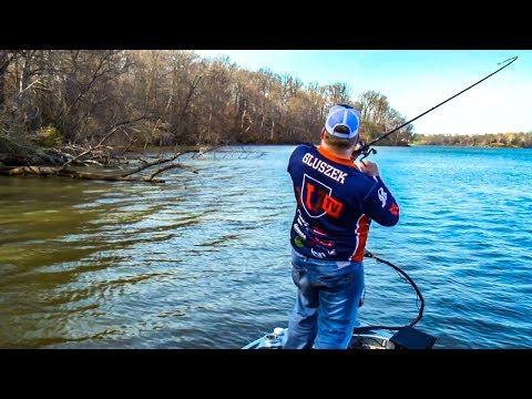 THROW DOWN on BIG BASS with Spinnerbait Fishing Pro Secrets