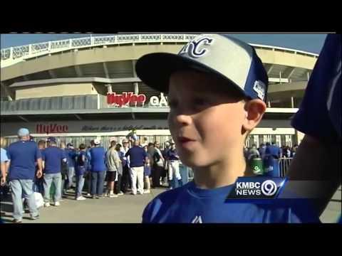 Royals fan sends mom, son World Series tickets