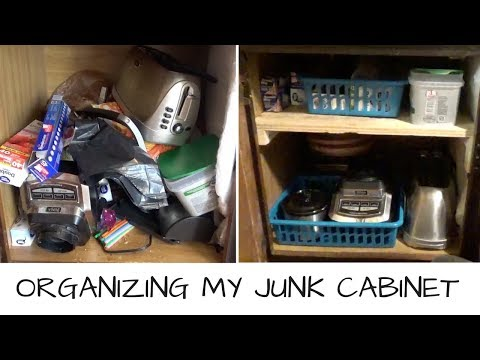 Cabinet Organization   The JUNK Cabinet!