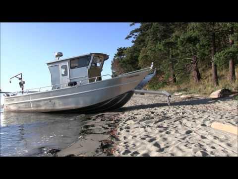 Amazing robotic aluminum boat walks on beach!