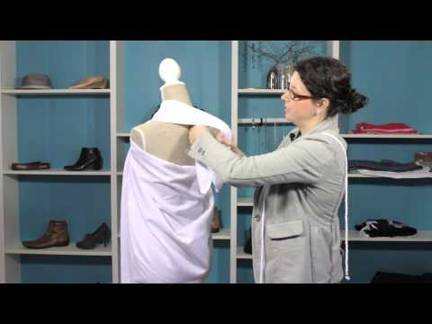 How to Wrap a Two-Shoulder Toga : Style Solutions