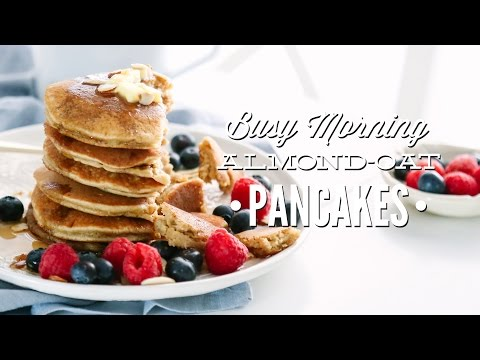 How to Make Almond Flour and Oat Pancakes (In the Blender)