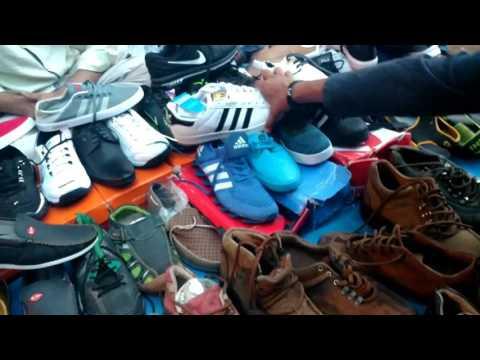 CHOR BAZAAR-[MUMBAI] | Shoes and electronics In cheap prices, Dedh galli/ kamathipura