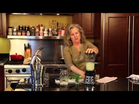 How to Make Authentic Mexican Limeade : Fun Home Cooking Tips