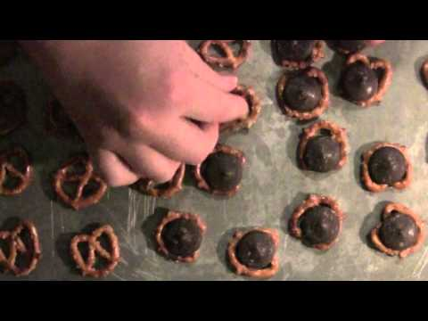 Chocolate Pretzel Bites